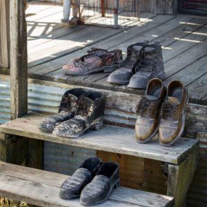 Metal Traveling Salesman Shoes