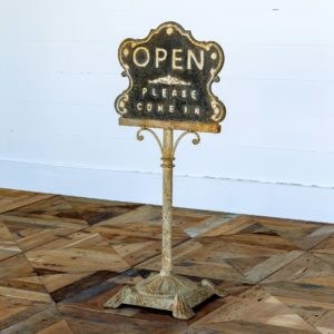 Shopkeeper's Open/Closed Sign