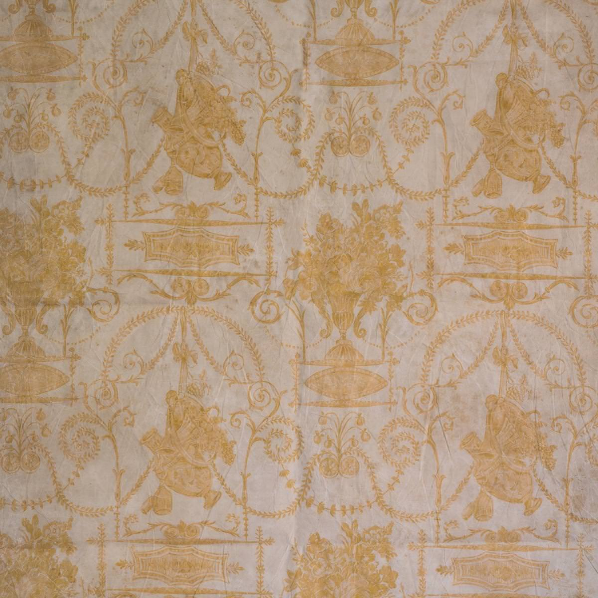 French Quarter Yellow Wallpaper Min 2