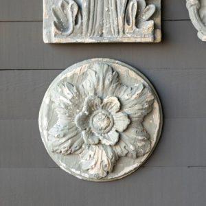 Aged Grey Grand Botanical Medallion