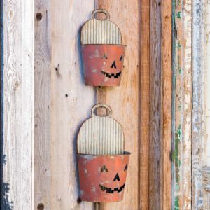 Painted Tin Pumpkin Face Wall Buckets Set of 2 Min 4