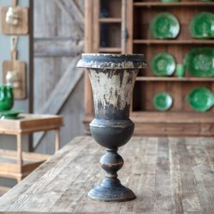Black Mantle Urn