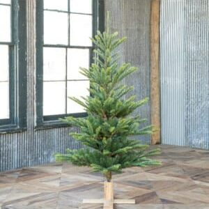 Great Northern Spruce Tree with Micro LED Lights 5'